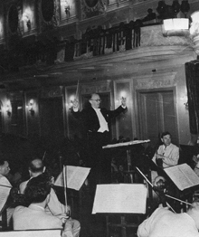 Picture of Erik conducting in Moscow